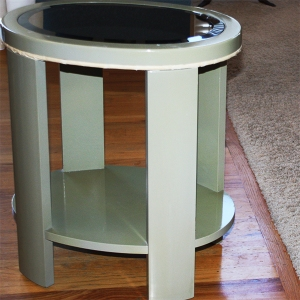 Photo of Ugly Green Table Before Spray Painting